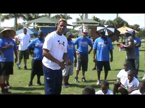 WMP/NFL Play 60/USA Football-FUNdamental Clinic 2013