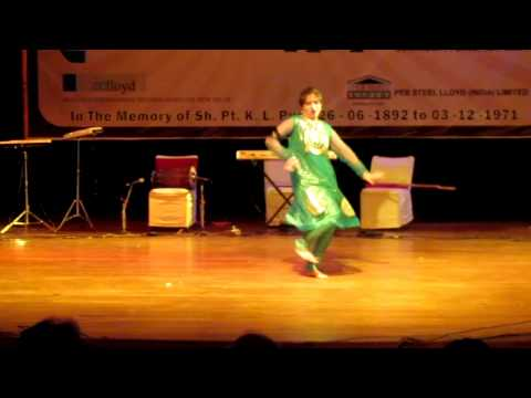 DANCE OF DEEPALI SHARMA IN LLOYD INSULATIONS ANNUAL  FUNCTION AT AIR FORCE AUDITORIUM  NEW DELHI