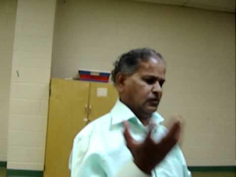 MOV00004_Poet Gopal Baghel Madhu_MG 1885_ Paraspar pran'om' se milakar_HWG_100711.MPG