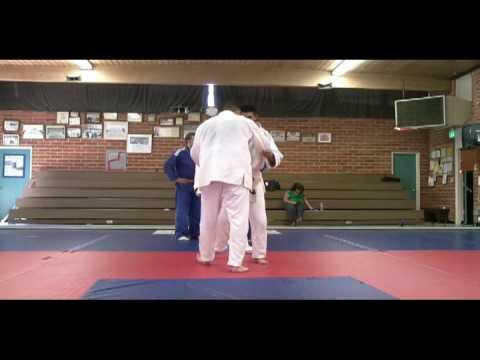 San Fernando Valley Judo Club: Robert Otani's very nice Harai Goshi (Judo Sweeping Hip Throw)