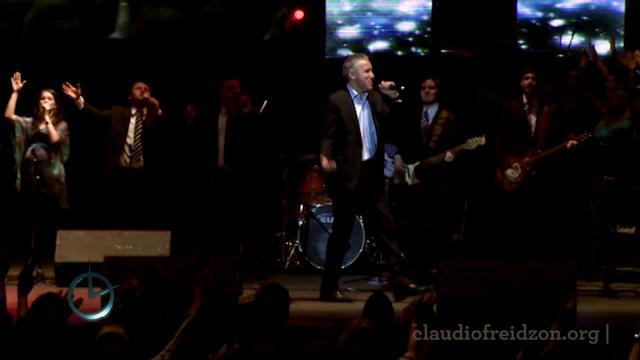Programa de Justo a Tiempo - Claudio Freidzon en el estadio Luna Park