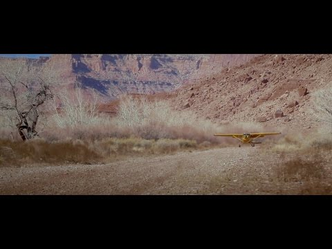 Flying to the Mexican Mountain Airstrip in Southern Utah - HD