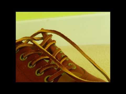 Tying shoelaces (stop motion) [HD]