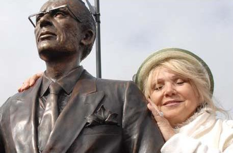 Tommy Douglas statue