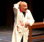 "Theatre: ""'Greece kills"" / 'Σιχτίρ ευρώ, μπουντρούμ δραχμή, θα πεις κι ένα τραγούδι'"