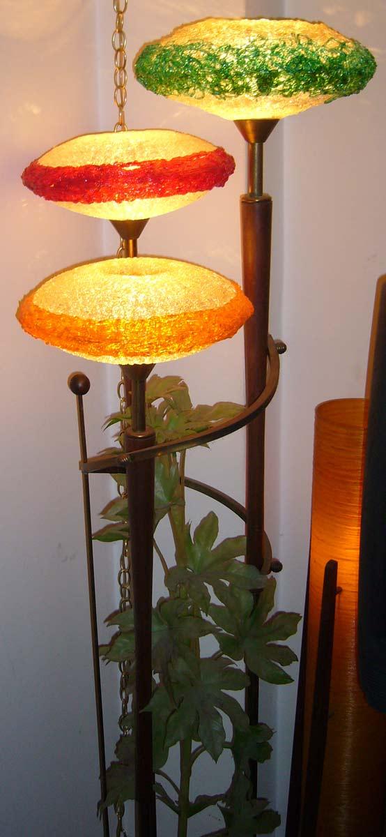 Spaghetti Lamp - Floor Version 1