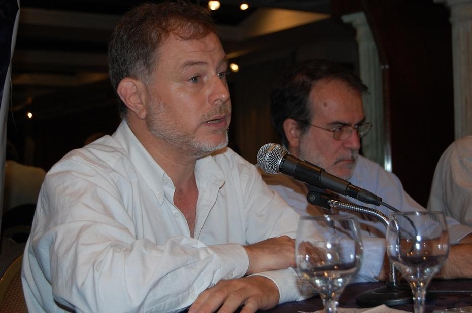 Exposicion Diego Saravia plenario nacional del Frente Grande 2008