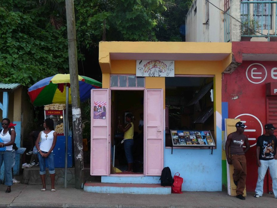 music store + hairdresser_Mt.Lubin_Rodrigues Island