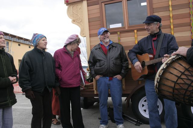 SingPeace gathers in PortTownsend
