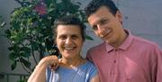 Di Celmo junto a su madre