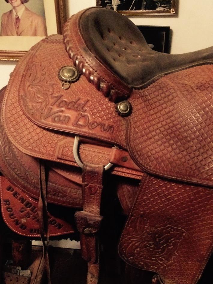 Saddle_02