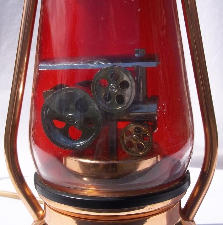 Crestworth Traction Lamp 2