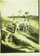 Represa da Usina DR Gravata Nho Barbeiro, Viriato Nogueira, Dico, Geraldo Nogueira,  em 1955