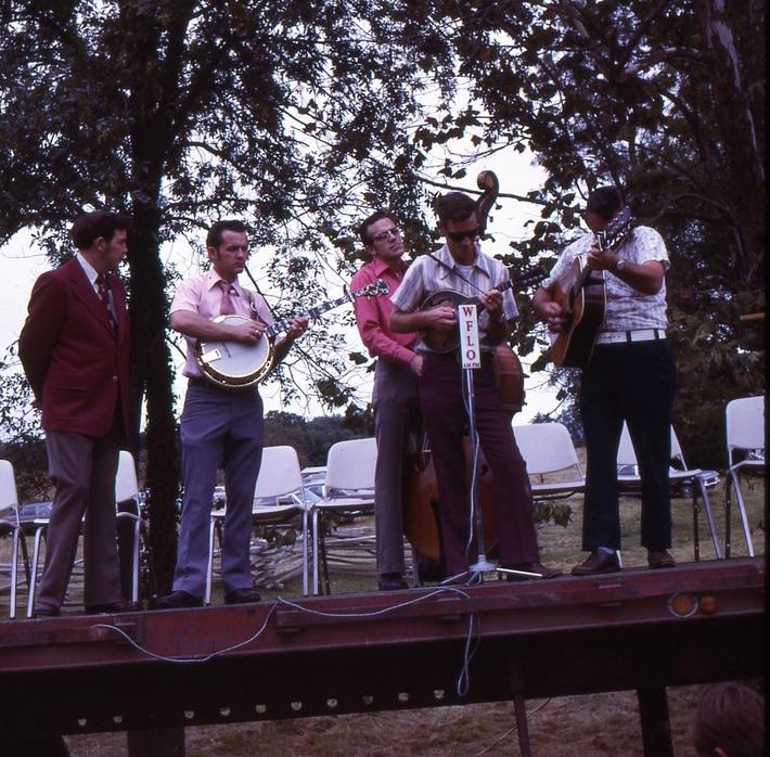 Sweeney Dedication- Country Music Group Sep. 23 '72-18