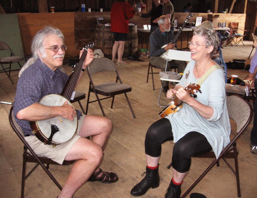 Lisa and Tim banjos AEBG 2014