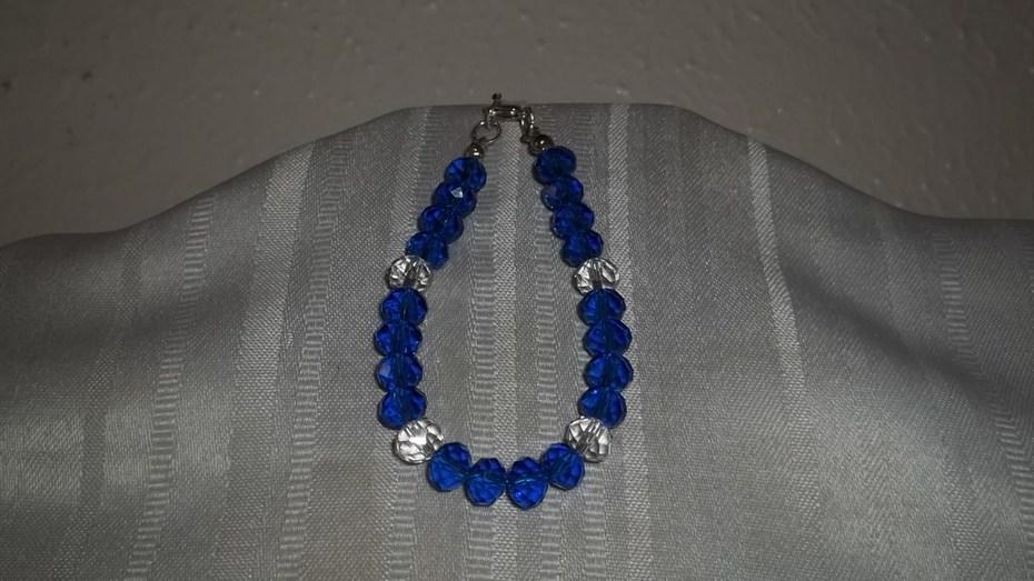 Dark blue and clear beaded bracelet