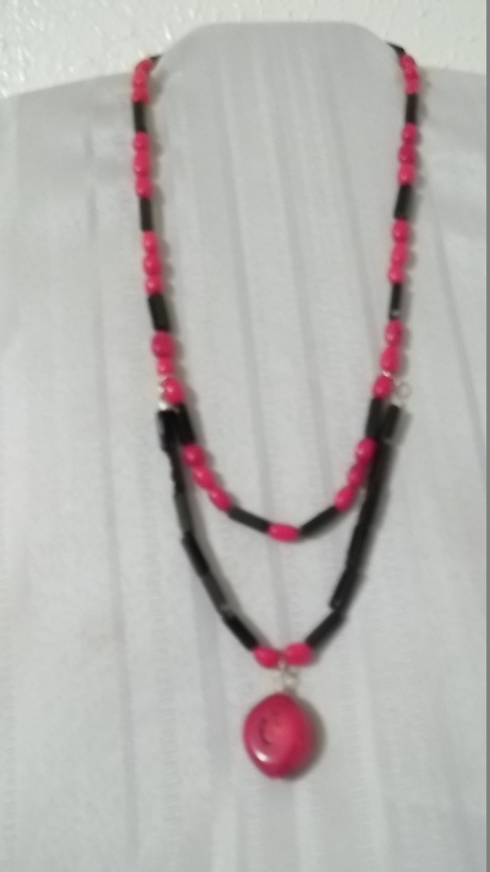 Coral stones with Oblong back beads Necklace