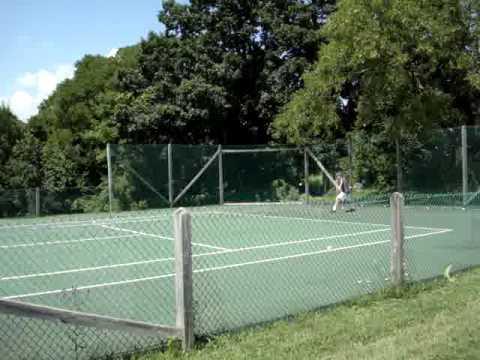 md playing tennis, hitting with flavio