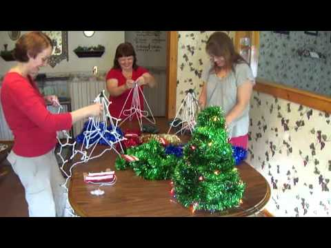 Making A Table Christmas Tree With Fun