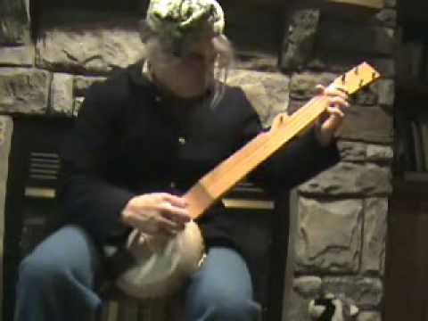 St. Patrick's Day-Gourd Banjo.wmv