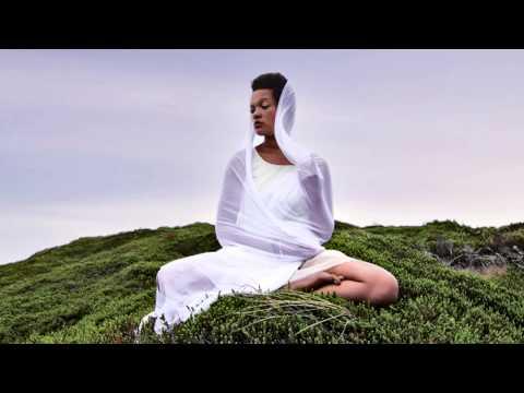 Gayatri Mantra // Yoga Meditation