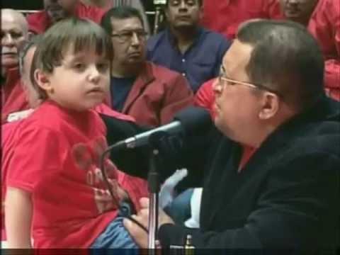 """Niño le dice a Hugo Chávez, acerca de su hermano: """"Que lo mataron"""""""