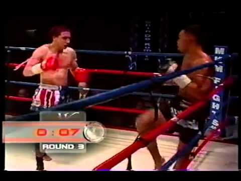 Justin Greskiewics vs Aaron Castillvi, Muay Thai, part 2