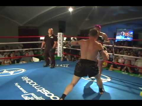 Justin Greskiewicz vs Ben Yelle, Muay Thai. Part 1