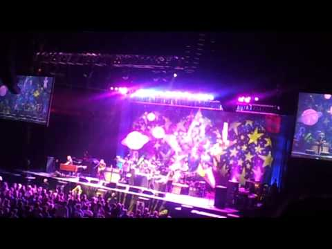 2012-06-17 Ringo Star Mohegan Sun Casino Arena 2