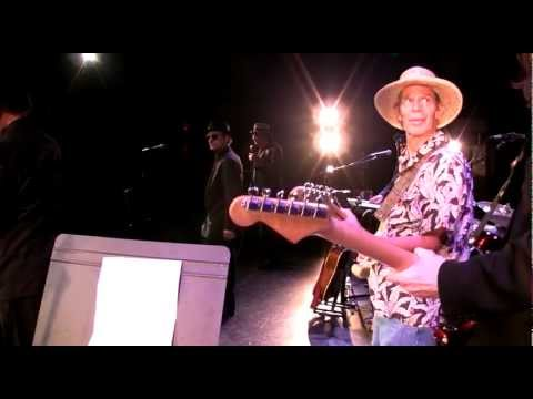 """KENNY VANCE & The Planotones (AMAZING video one take from the stage) """"Diamonds & Pearls"""" Nyack NY"""