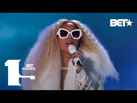 """Mary J. Blige Performs """"My Life,"""" Real Love,"""" & More In ICONIC Performance!   BET Awards 2019"""