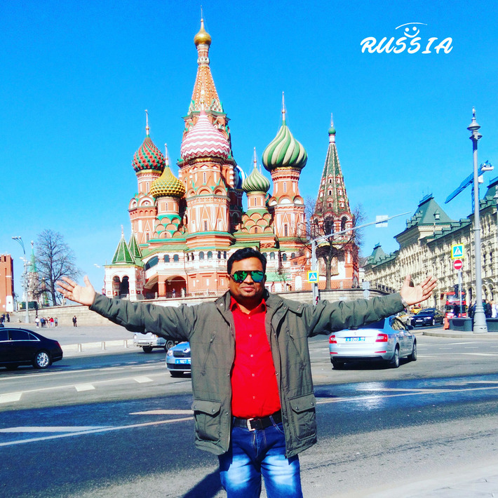 Artist Sujit Das in Russia