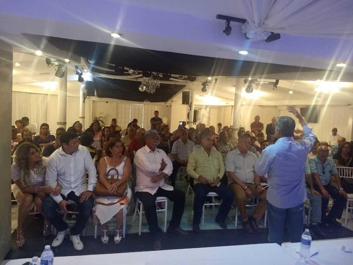 Vis a Vis del Senador Suplente Alejandro Rojas Díaz Duran con alumnos de la Universidad Veracruzana