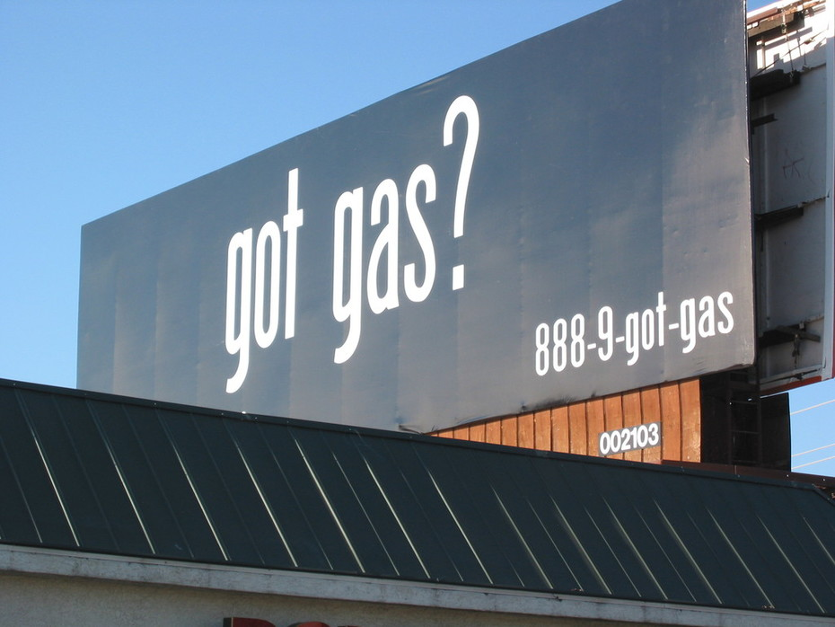 Integrated Marketing Campaign Example - Outdoor Ad Drives Traffic and Consumer Search Engine Activity to www.YouGotGas.com