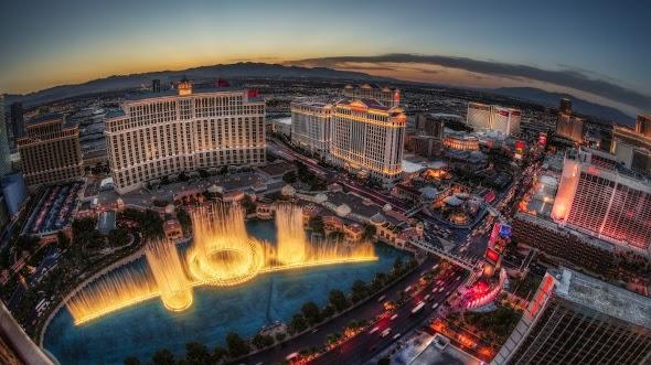 Sunset Fountain Show at Bellagio Las Vegas