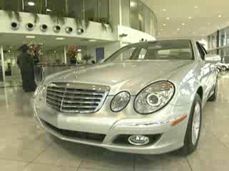 Schumacher Mercedes-Benz E321 Showroom Video