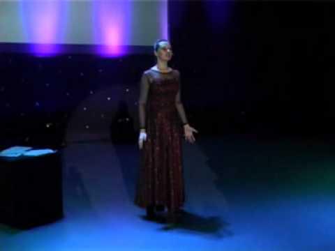 «Обыкновенное чудо» -- моноспектакль Ирины Дарьиной
