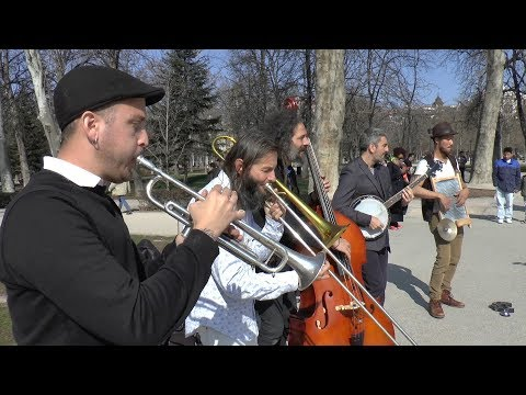 """Barba Dixie Band: """"Do What Ory Say"""" - Busking"""
