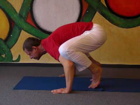 Yoga Crow - Kakasana for balance