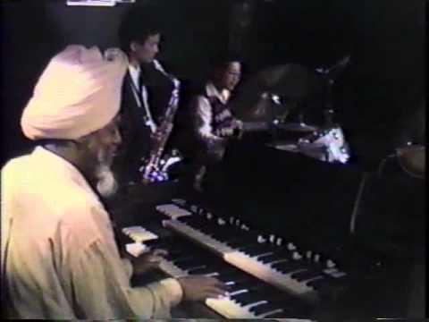 Dr.Lonnie Smith Unbelievable organ solo