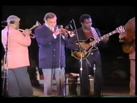 Dizzy Gillespie - George Benson - A Night In Tunisia.