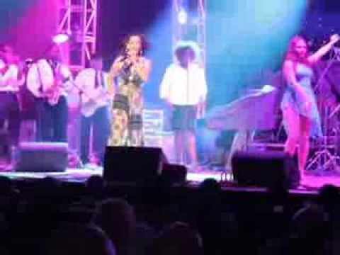 Amaryllis Santiago Live performance Jose Feliciano World Tour 2013 Part 3 of 3