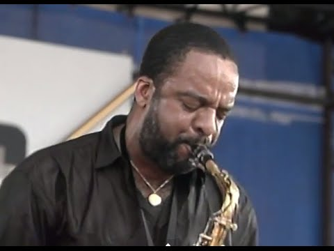 Vanguard Artists:  Grover Washington Jr. - Full Concert - 08/13/88 - Newport Jazz Festival (OFFICIAL)