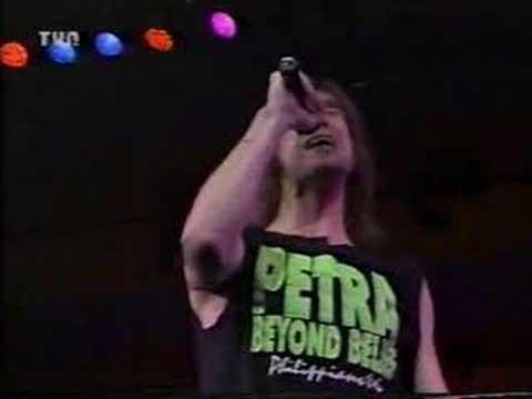 BUZZEZEBLIP BUZZEZEVIDEO ROCKS PETRA FAN BASE PETRA-Somebody's Gonna Praise His Name live