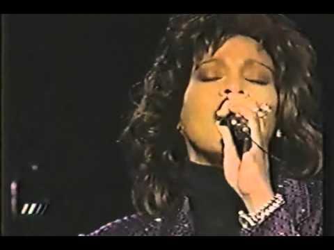 BUZZEZEVIDEO Whitney Houston FANS YES JESUS LOVES ME