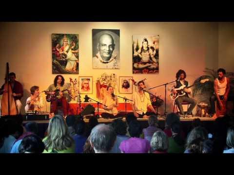 Ma Durga - Janin Devi and Band