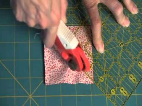 Quilting Tutorial: Sew Easy, Hour Glass Units