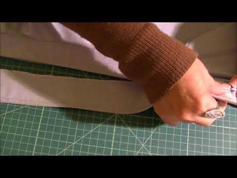 How to flip a shirt's collar