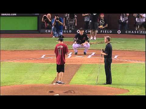 Blind Kid Throws D-backs First Pitch in Game 4 NLDS vs. Milwaukee Brewers