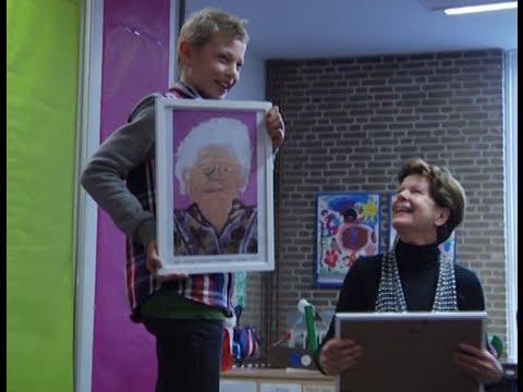 Maartje van Weegen reikt prijs uit: Jongeren portretteren ouderen